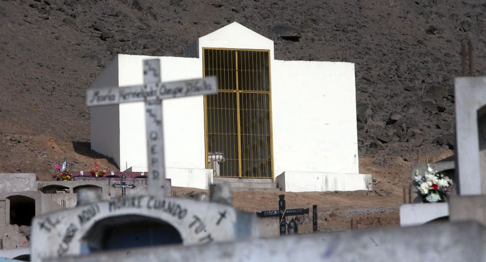 Comas: el mausoleo construido para los senderistas [FOTOS] - 2