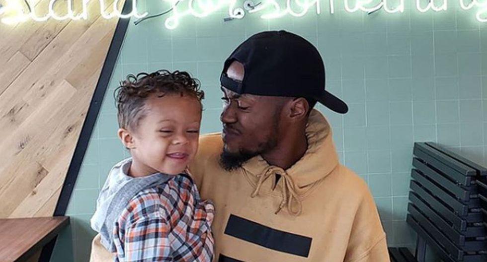El bailarín y orador estadounidense Kenny Clutch se grabó bailando con su menor hijo para celebrar que se encuentra libre de cáncer desde hace 11 meses | Foto: Instagram / Kenny Clutch