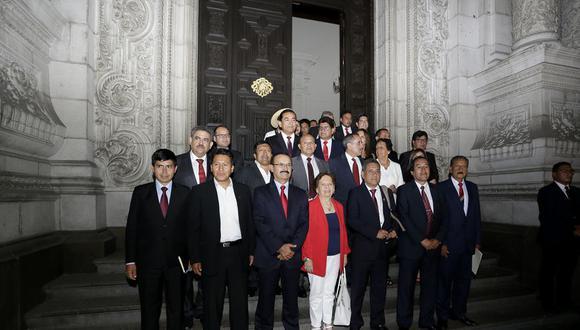 Seis parlamentarios suscribieron oficio remitido al Comité Político donde también solicitan el cambio en presidencias de comisiones cada cuatro meses. (Foto: GEC)