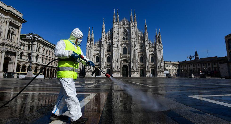 La OMS advierte que rociar las calles con desinfectante es peligroso y poco eficaz contra el coronavirus. (Foto: Piero Cruciatti / AFP).