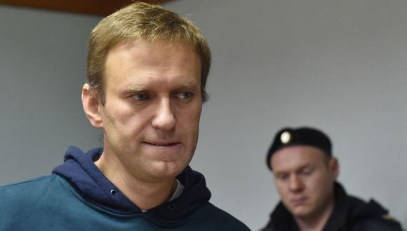 El líder de la oposición rusa Alexei Navalny asiste a una audiencia de apelación contra su encarcelamiento por organizar una protesta contra el Kremlin el 3 de octubre de 2018. (Foto de Vasily MAXIMOV / AFP).