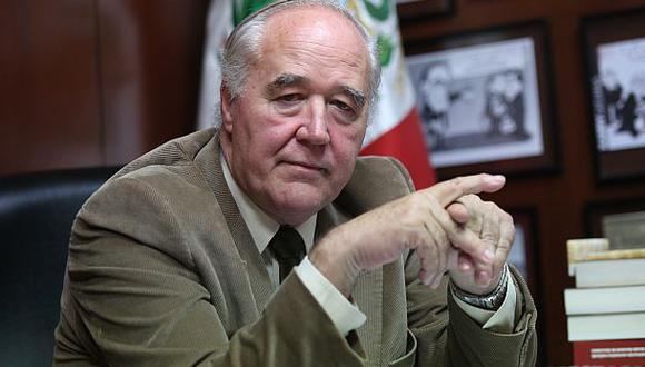 Víctor Andrés García Belaunde cuestionó al Ejecutivo por criticar normaque permite a mayores retirar sus fondos de AFP. (Foto: El Comercio)