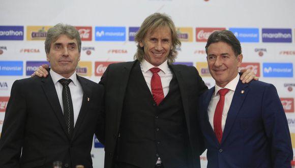 Ricardo Gareca y su comando técnico renovaron con la selección peruana con el objetivo de clasificar al Mundial Qatar 2022. (Foto: EFE)