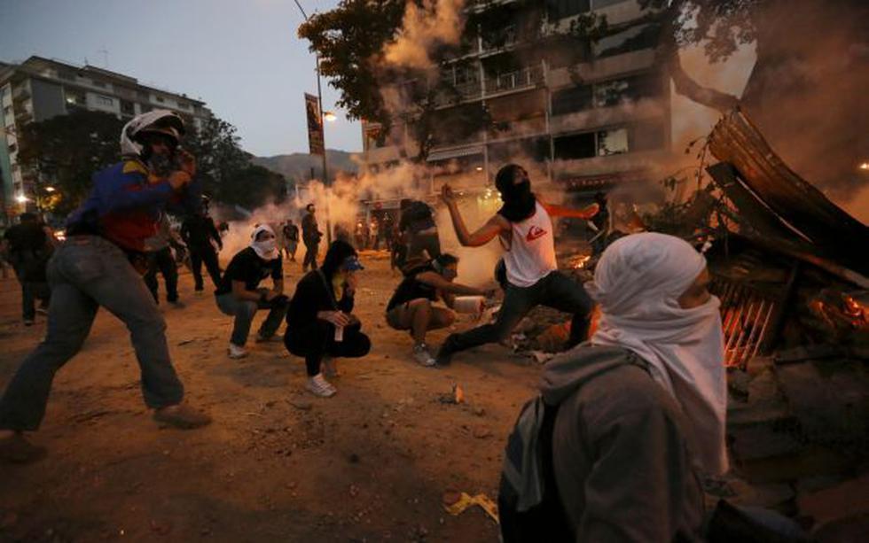 Venezuela: Policía y manifestantes vuelven a chocar en Caracas - 3