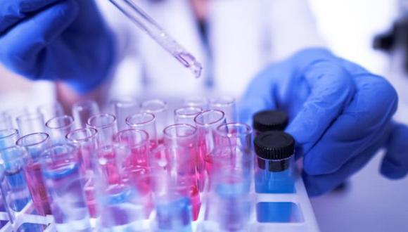 La OMS promueve el ensayo clínico Solidarity Trial destinado a comprobar la seguridad y eficacia contra el COVID-19. (Foto: Getty)