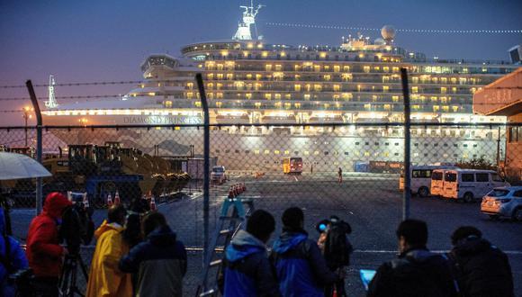 El crucero Diamond Princess está en cuarentena en Japón desde hace dos semanas. (REUTERS/Athit Perawongmetha).