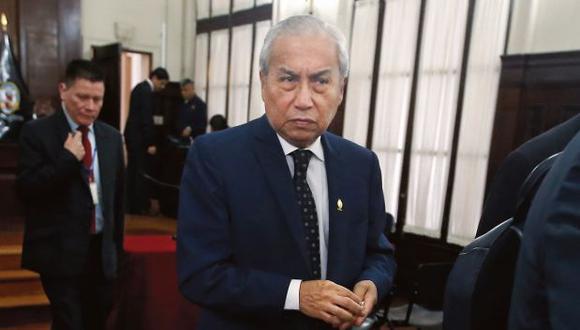 Pedro Chávarry es investigado por el Ministerio Público por el Caso Los Cuellos Blancos del Puerto, por la remoción de los fiscales del Equipo Especial Lava Jato y otros.