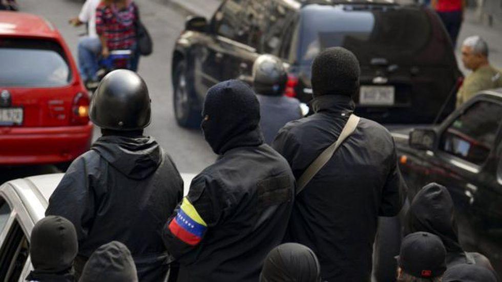 Para Guaidó, los colectivos no son sino grupos de paramilitares urbanos.
