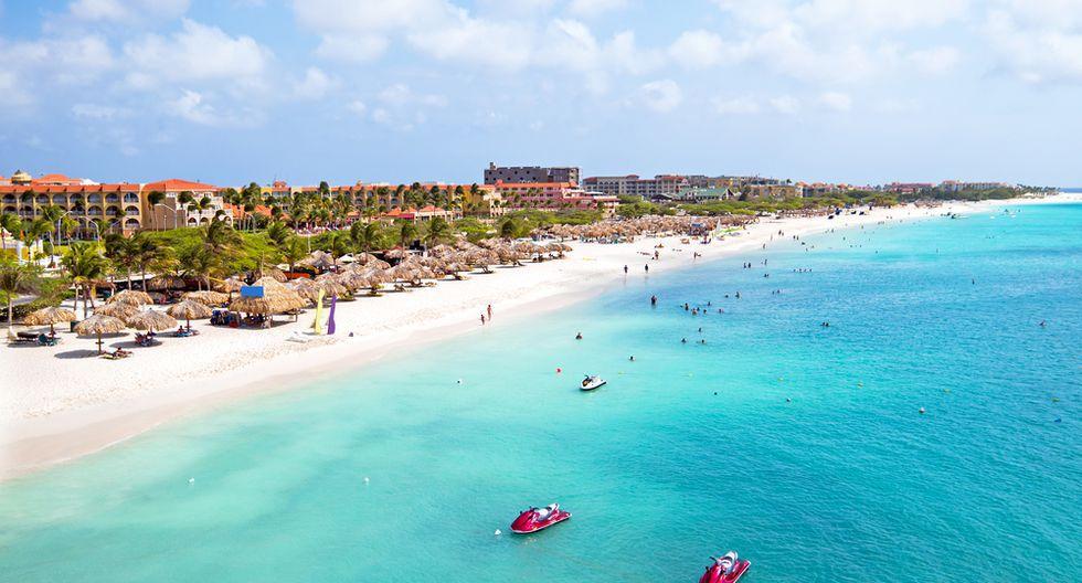 Eagle Beach la playa más amplia de Aruba, es la tercera más linda del mundo según TripAdvisor.(Foto: Shutterstock)