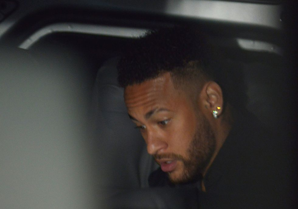 Caso Neymar: Nuevo abogado de mujer que acusa al jugador brasilero amenaza con dejar el caso. | Foto: Agencias