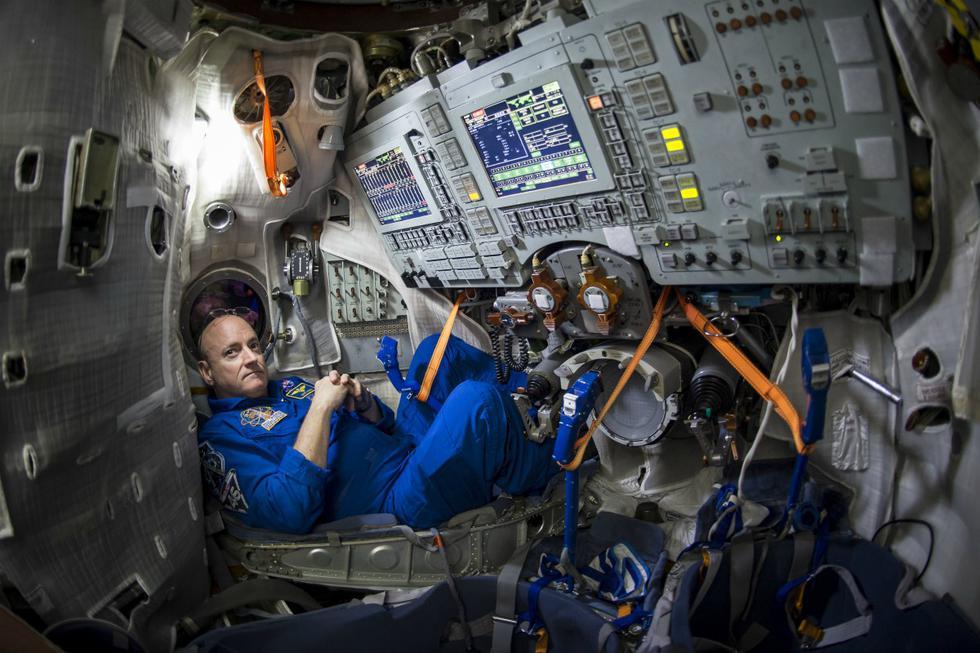 Astronautas de la NASA dieron tips y consejos para sobrellevar el aislamiento por el coronavirus. (Foto: AFP)