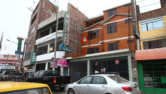 Se ha solicitado a la Municipalidad de El Agustino los videos de las cámaras de vigilancia ubicadas cerca al hostal donde ocurrió el feminicidio. (USI)