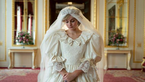 """Emma Corrin, caracterizada como la princesa Diana en la cuarta temporada """"The Crown"""". El rol le valió llevarse el premio a Mejor actriz de serie de drama en los Golden Globes 2021. (Foto: Emma Corrin)"""