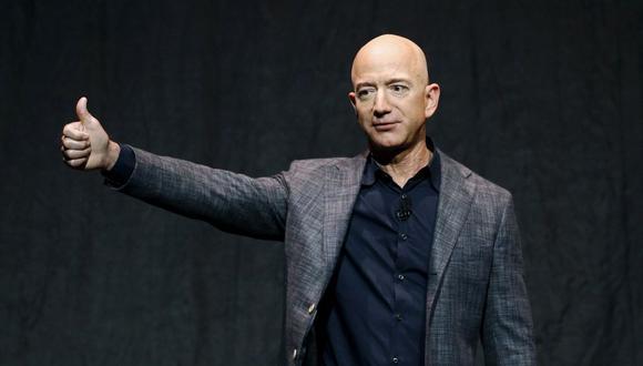 El multimillonario ya había adelantado a principios de este año su intención de retirarse de la primera línea de Amazon. (Foto: AP)