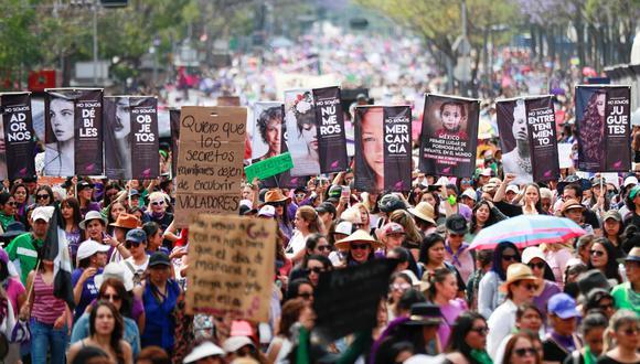 Miles de mujeres marcharon el domingo en Ciudad de México. (REUTERS/Henry Romero).