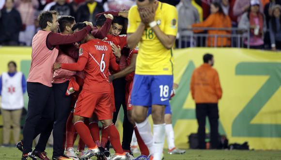 En Brasil no olvidan la eliminación en la Copa América 2016 a manos de la selección peruana. (Foto: AFP)
