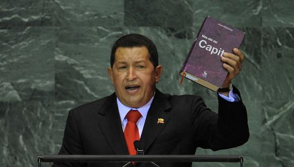"""Durante su discurso ante la Asamblea General de la ONU, en el 2009, el expresidente venezolano Hugo Chávez llamó """"diablo"""" a su par estadounidense George W. Bush, quien se había presentado un día antes. (Foto: Timothy A. Clary / AFP / Archivo)."""