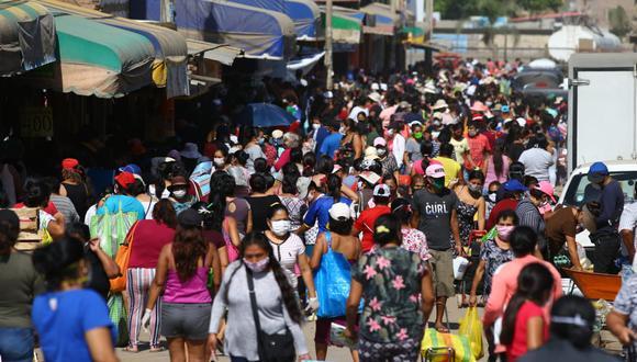 En los últimos días se reportaron aglomeraciones de personas en diversos mercados de la capital. (Foto: GEC)