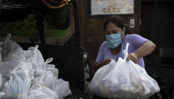 Contraloría informó que la cifra de servidores públicos que se habrían favorecido con canastas básicas de víveres durante la pandemia ascendió a más de S/ 9 mil. (Foto: Referencial/Renzo Salazar -GEC)