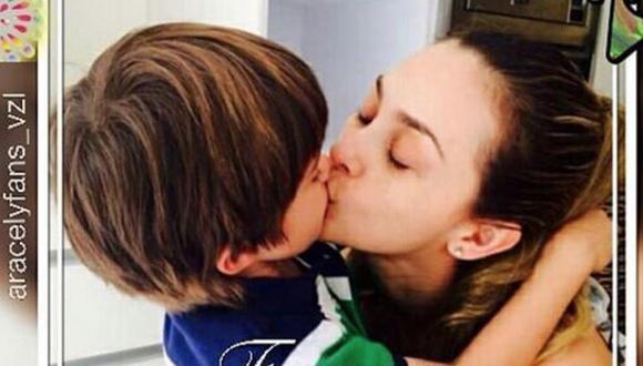 Aracely Arámbula y Daniel, el mayor de los dos hijos que tuvo con Luis Miguel. (Foto: Instagram)