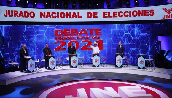 De izquierda a derecha, Hernando de Soto (Avanza País), Andrés Alcántara (Democracia Directa), Ollanta Humala (Partido Nacionalista Peruano), Pedro Castillo (Perú Libre) y Daniel Urresti (Podemos Perú) durante el debate presidencial. (Foto: Hugo Pérez  / GEC)