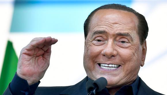 Líder del partido liberal-conservador de Italia Forza Italia, Silvio Berlusconi, habla durante un mitin del partido de extrema derecha de Italia League, el 19 de octubre de 2019 en Roma.  (Foto: Tiziana FABI / AFP)