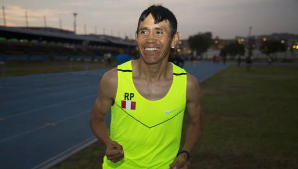 Atleta Raúl Pacheco, primer peruano clasificado a Río 2016