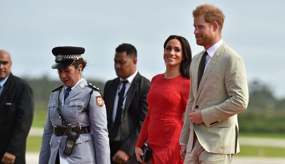 Meghan Markle siempre luce radiante en todas sus presentaciones, pero en su visita a Tonga algo llamó la atención. (Foto: AFP)