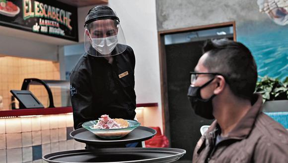 Se evalúa ampliar el aforo de los restaurantes, el cual actualmente es del 40% de su capacidad. (Foto: Ángela Ponce | GEC)