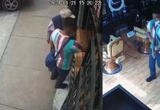 Trujillo: cámaras registran robo de laptop en una barbería mientras el encargado del local dormía   VIDEO