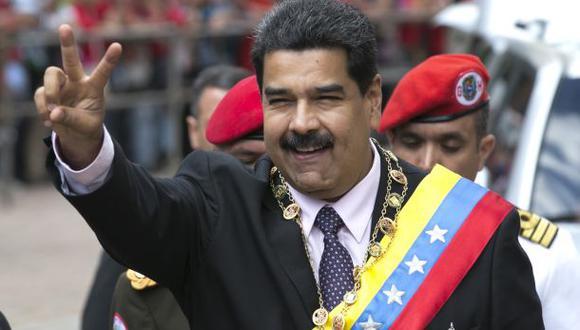 Maduro extiende otra vez vigencia del billete de 100 bolívares