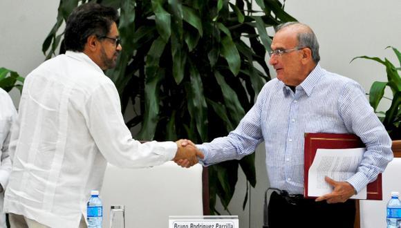 """Colombia y FARC anuncian """"acuerdo final"""" de paz en La Habana"""