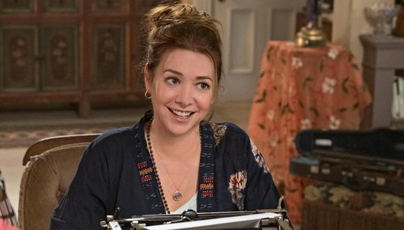 """Alyson Hannigan regresa a la pantalla chica. La actriz de """"How I Met Your Mother"""" interpreta a una escritora de novelas románticas en """"Flora y Ulises"""". Foto: Disney+."""
