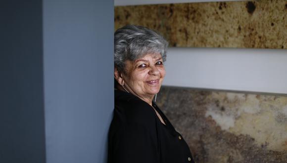 Esther Vainstein, artista multidisciplinaria, se presenta en De Voz a Voz Perú con una obra que evoca al terremoto en Pisco y la pandemia. (Foto: Alessandro Currarino / El Comercio)