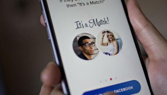 """Al estar vinculada a Facebook, Tinder también tiene acceso a tus """"Me gusta"""" en la red social. (Foto: Bloomberg)"""