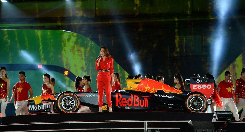 Con un gran espectáculo se presentó la nueva parada de la prueba reina del automovilismo en Vietnam. (Foto: AFP)