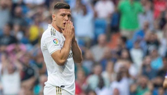 Luka Jovic no podrá volver a España por el cierre de fronteras en Serbia. (Foto: EFE)