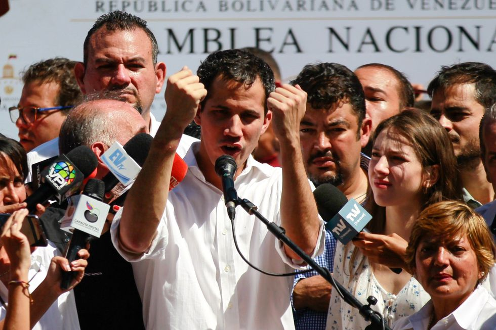 El Sebin arresta y libera al presidente de la Asamblea Nacional de Venezuela Juan Guaidó. (Video: AFP / Foto: EFE).