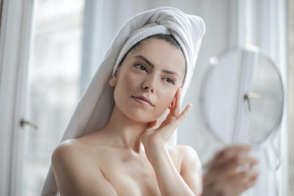 A partir de los 30 años la piel empieza a envejecer. Por eso, es importante saber cómo cuidarla para retrasar este proceso. (Foto: Shutterstock)