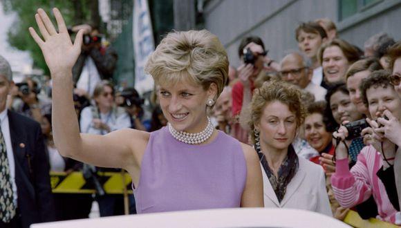 En sus últimos años de vida la Princesa Diana no volvió a lucir ninguna prenda o calzado de la maison francesa por una fuerte razón vinculada al Príncipe Carlos. Conócela aquí. (Foto: AFP)