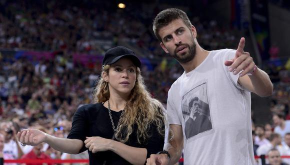 Gerard Pique y Shakira durante un juego en Barcelona en 2014. (Foto: AFP)