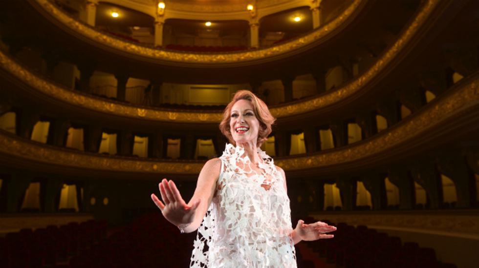 Denisse Dibós: la dama de los musicales - 1