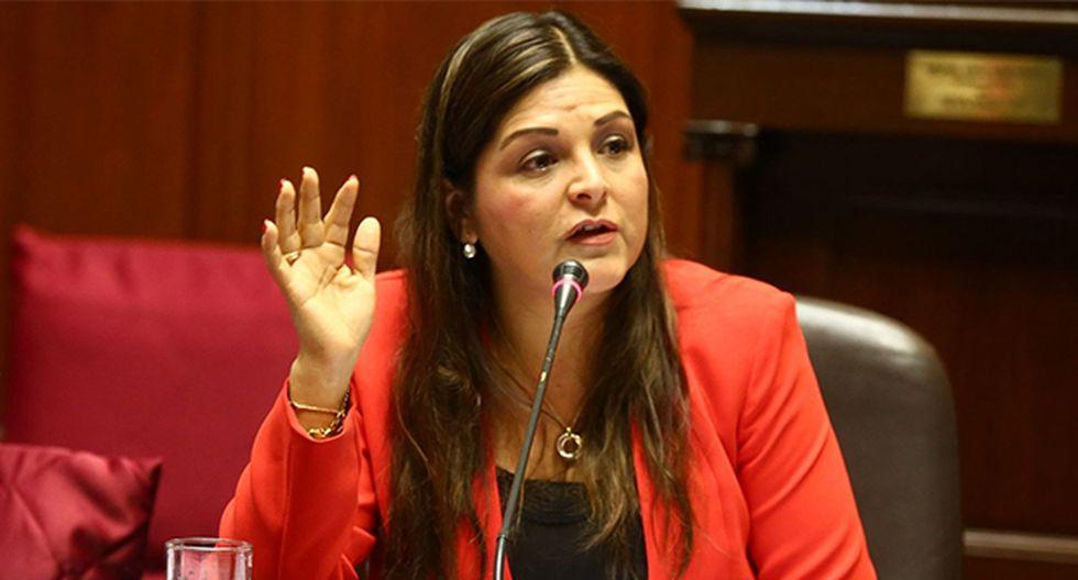 Karina Beteta también dijo que le cree a Héctor Becerril, quien negó haberse reunido con ex consejeros del CNM. (Foto: Agencia Andina)