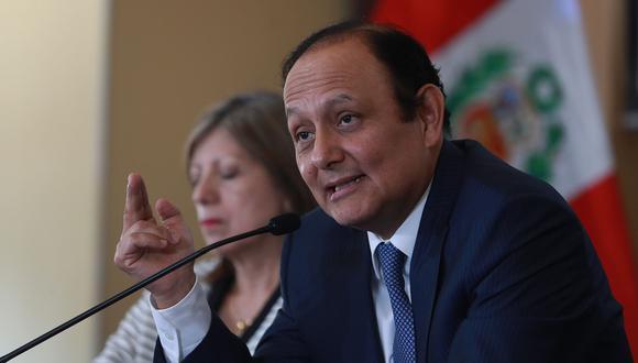 """""""Es importante que se pueda comunicar también a través de los pequeños medios que existen a lo largo de todo el país y que sí tienen acceso directo a los ciudadanos"""", dijo Gutiérrez. (Foto: Archivo El Comercio)"""