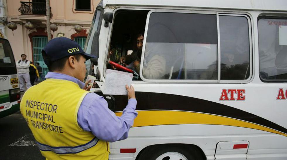 'Chosicano': coaster de empresa suspendida siguieron circulando - 4