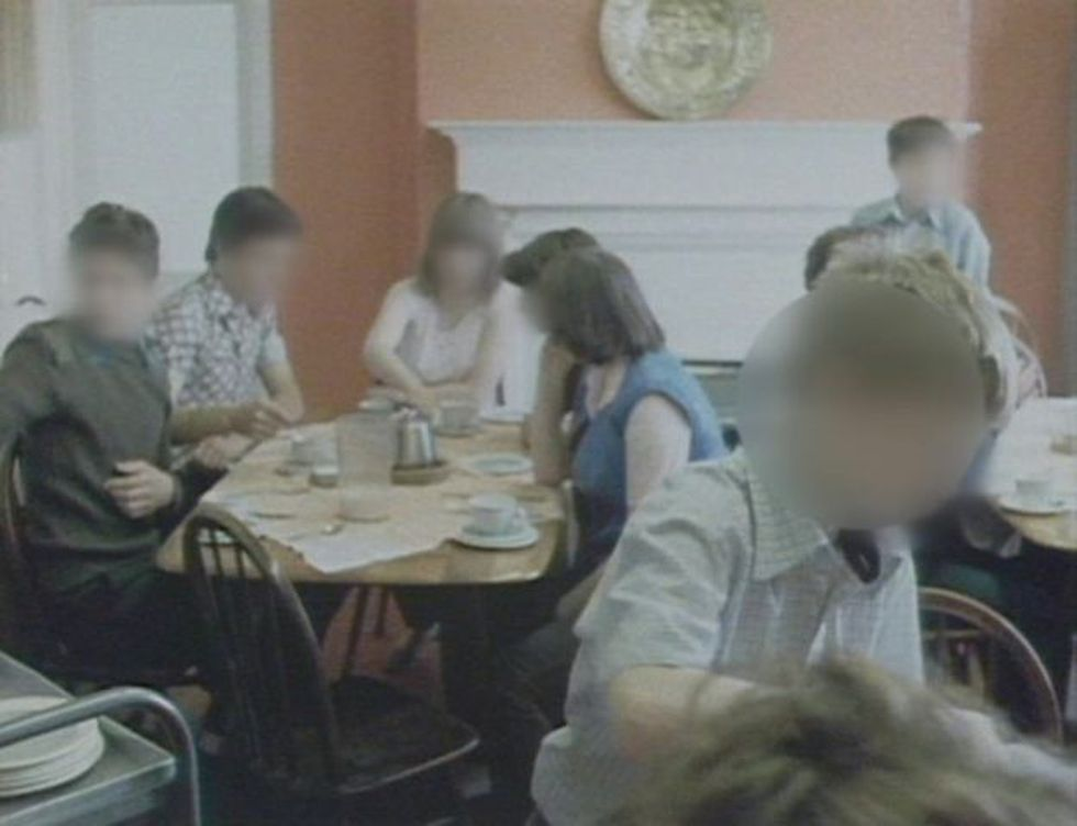 Múltiples niños y jóvenes que vivieron en Beechwood (esta imagen pertenece a 1981) aseguran que la violencia era una parte constante de su vida en el lugar.