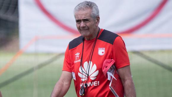 Gregorio Pérez durante los entrenamientos de Santa Fe. (Foto: AFP)