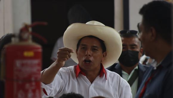 """""""Lo que el señor Castillo parecería sugerirle a la ciudadanía es que le endose su apoyo en las ánforas por ser quien es""""."""