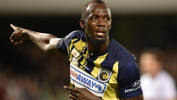 Usain Bolt quedó indignado al recibir un documento para pasar una prueba antidopaje. El suceso se dio días después de concretar un doblete con el Central Coast Mariners de Australia. (Foto: AFP)