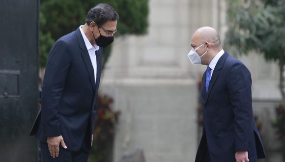 Presidente Vizcarra salió a despedir a su abogado Roberto Pereira (Foto: Miguel Bellido)